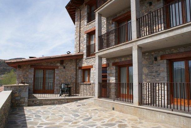 Aparthotel en bellver de cerdanya alojamiento rural con - Aparthotel con encanto ...