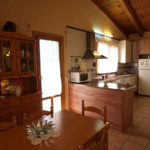 Cocina casa rural Rodellar